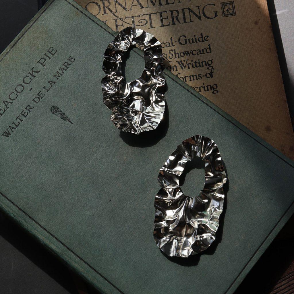 Fei He - FOLD hoop earrings - Rhodium, gold, silver, copper - 4.5 × 8.5 cm - £127