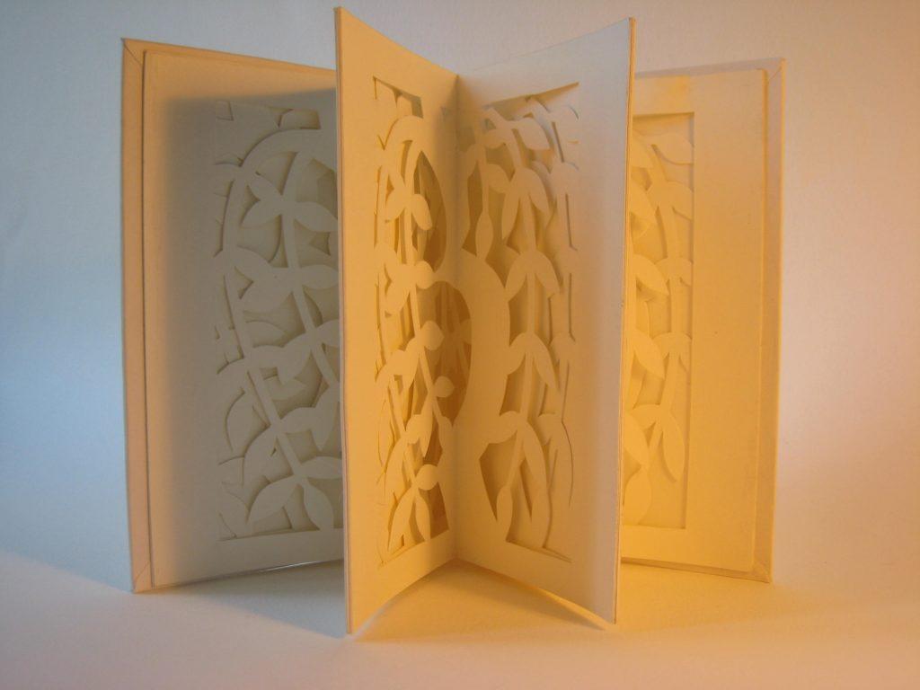 Lizanne van Essen - Willow - - Artist's Book- 11 x 15.25 cm (closed) - £75